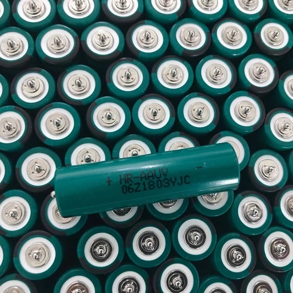 FDK HR-AAU AA 1.2V 1650mAh Ni-Mh AA 14500 battery button top FDK Ni-Mh battery